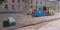 Новоалександровская ул.д.64 окраска скамеек